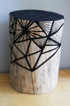 Tronc en bois peint Pièce Unique faite a la main Le délais de fabrication est de 4 semaines, sauf s'il est en stock au moment de la commande....