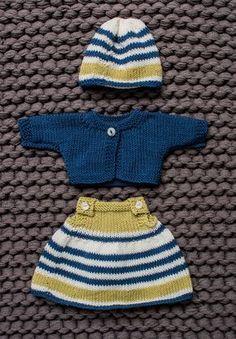 58 Ideas for crochet baby doll pattern dress hats Baby Knitting Patterns, Knitted Doll Patterns, Knitted Dolls, Doll Clothes Patterns, Free Knitting, Clothing Patterns, Dress Patterns, Pattern Dress, Knitted Teddy Bear