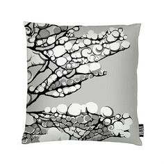 Decorate the sofa with Lumi cushion cover from Vallila Interior. The cushion cover is designed by Riina Kuikka and has a wintry pattern with snowy branches. It´s a stylish decoration to bring forward during the winter but can gladly be used the year round. Combine Lumi with other patterned cushions from Vallila Interior.