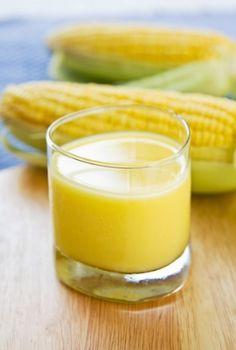 Receita de Suco de Milho. Gostoso, diferente e principalmente nutritivo, esse suco de milho deve fazer parte de seu cardápio.