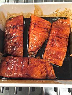 Zalm Teriyaki uit de oven! – Sneaker & Spice Asian Recipes, Guacamole, Salmon, Seafood, Spices, Turkey, Cooking, Sea Food, Kitchen