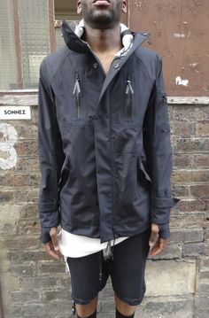 Designer clothes for men Best Fashion Designers, Manly Things, Outdoor Apparel, Sport Wear, Men Fashion, Parka, Going Out, Hooded Jacket, Streetwear