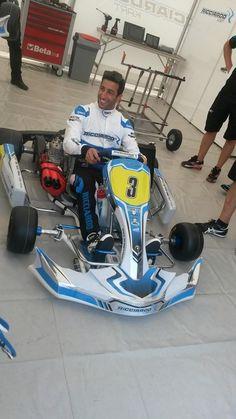Daniel Ricciardo's kart Vintage Racing, Vintage Cars, Vintage Auto, Go Kart Designs, Mini Jeep, Go Kart Racing, Karting, Racing Motorcycles, Bugatti
