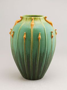 Nicky Ross for Door Pottery Garden Glow in Northern Lights Green Vase