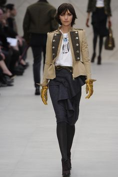 Another cute jacket. Burberry Prorsum trench. Burberry Prorsum RTW Fall 2012 - London Fashion Week. Photo by Giovanni Giannoni