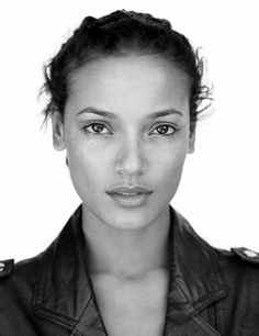 Selita Ebanks, no make up and still beautiful...