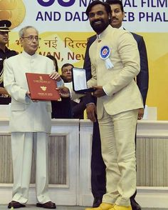 Remo D'Souza receives the Nation Award from Honorable President Of India Pranab Mukherjee for choreography of Deewani Mastani song from Bajirao Mastani. @filmywave   #RemoDsouza #president #PranabMukherjee #deewanimastani #bajiraomastani #nationalaward #awards #awards2016 #celebrities #celebrity #actor #actress #movie #bollywood  #bollywoodactor #bollywoodactress #picoftheday #instapic #instadaily #instagood #filmywave