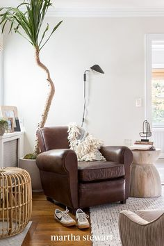Small Space Living Room, Tiny Living Rooms, Living Room Designs, Small Spaces, Living Room Decor, Large Table Lamps, Furniture Layout, Bedroom Sets, Interior