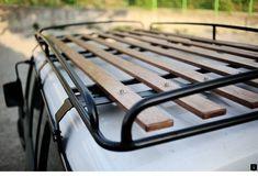 Love the look of this roof rack. Best style, economical, useful. Van Roof Racks, Truck Roof Rack, Iveco 4x4, Iveco Daily 4x4, Kombi Motorhome, Campervan, Offroad, Vw Caddy Mk1, T3 Vw