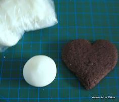 Say what?? Recipe for *rolled* royal icing that can be cut, shaped, and imprinted like fondant!