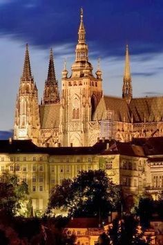 10 Most Beautiful Castles around the World | Incredible Pictures, Prague Castle, Czech Republic