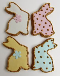 Easter Cookies. Use different colors of icing for the outline and the flooding.