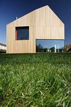 Forest view house, Leipzig by Atelier st // Zrównoważony dom. / Sustainabile house.