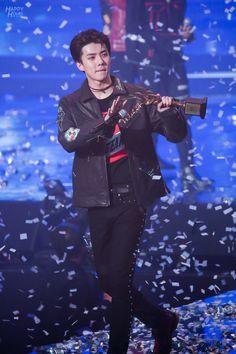 Sehun - 170119 26th Seoul Music Awards  Credit: Happy Hours. (제26회 서울가요대상)