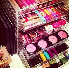 Organized makeup, and clear markup case.