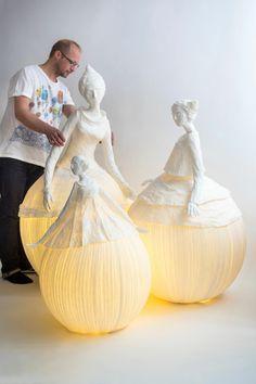 Sculptures en papier mâché lumineuses extraordinaires                                                                                                                                                      Plus