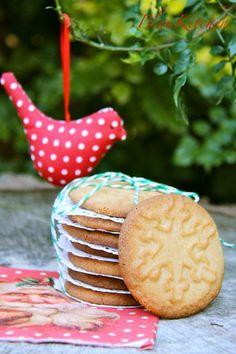Snowflake Peanut Butter Cookies | BlauKitchen
