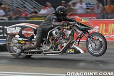 Harley-Davidson Nitro Exhibition at NHRA Bristol | Dragbike.com