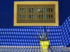 Majorelle-Garden-Louis-Majorelle-bleu-majorelle-bright-yellow-highlights