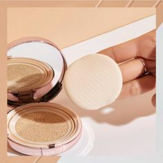 As you plan your next summer getaway, you must be wondering what cushion foundations can help keep up with the heat and humidity this season brings. Best Cushion Foundation, Compact Foundation, No Foundation Makeup, Black Cushions, The Face Shop, Beauty Must Haves, Korean Celebrities, Beauty Trends, Make Up