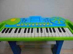 Chldren's Upright Musical Synthesizer Keyboard W/Pretend Scratching Turntable #Unbranded