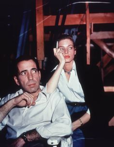 KEY LARGO (1948) - Humphrey Bogart and Lauren Bacall on the set - Direct by John Huston.