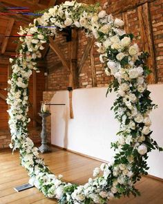 White and green flower circle for wedding ceremony backdrop. How beautiful and e. White and green flower circle for wedding ceremony backdrop. How beautiful and elegant. Wedding Ceremony Ideas, Wedding Reception Places, Church Wedding Flowers, Wedding Wreaths, Wedding Stage, Wedding Bouquets, Photo Booth Wedding, Wedding Entrance, Wedding Ceremonies