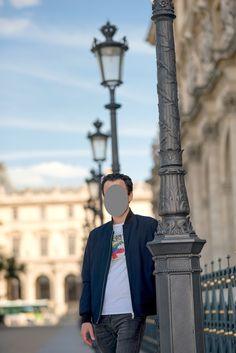 Paris est une belle ville qui fait rêver les voyageurs du monde. Pour votre shooting photo de profil à Paris, choisissez la tour Eiffel, la pyramide du Louvre ou d'autres endroits célèbres. Vous aurez un souvenir de la ville des lumières ainsi. Votre photographe peut choisir le site pour le photoshoot pour vous. Sinon, les clichés en studio sur fond Paris ou une terrasse avec vue sur la ville sont une excellente alternative. Portraits, Shooting Photo, Tour Eiffel, Ainsi, Alternative, Photos, Studio, Souvenir, Profile