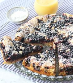 Fransk blåbärskaka – Lindas Bakskola Fun Desserts, Dessert Recipes, Sweet Pastries, Piece Of Cakes, Sugar And Spice, Rice Krispies, No Bake Cake, Eat Cake, Bakery