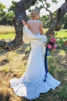 Ivory faux fur bridal wrap Wedding Fur shrug White Fur Wrap