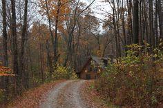 Oak Valley Log Cabin. valleyviewcabins.com #HockingHills #LogCabins