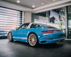 Porsche 911 Targa Exclusive Design Edition via Classy Bro Porsche 911 Targa 4s, Porsche 911 Cabriolet, Porche 911, Porsche Carrera, Porsche Sports Car, Porsche Models, Porsche Cars, Cool Sports Cars, Sport Cars
