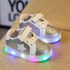 New Baby Fashion Star Sneaker LED Luminous Child Toddler Casual Colorful Light  Shoes Children Trainer Kids baby Running Shoes 73706be3e4ee