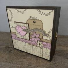 Anniversaire du blog : une boite en bois pour offrir des tampons par Christine