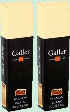 GALLER bâton Manon chocolat blanc 2x70gr Chocolat blanc fourré mousse de café et grué de noisettes. Galler est fournisseur breveté de la Cour de Belgique. 2x70gr. www.chockies.net