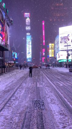 Times Square Winter Warning! 😳