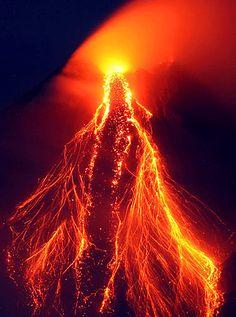 Spur mountain lava flow