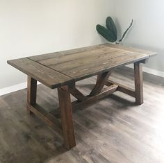 Dani Rose: We Built a Farmhouse Table Modern Farmhouse Kitchens, Rustic Kitchen, Outdoor Farmhouse Table, Living Room Bench, Dining Room, Minimalist Home Decor, Rose Design, The Ranch, Dark Walnut