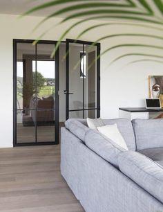 Project Vlaardingen - Hoog ■ Exclusieve woon- en tuin inspiratie. Decor, Home, Room Divider, Furniture, Lounge, Nook, Room, Mirror, Colours