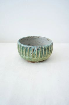 Malinda Reich no. 757 - - at QUITOKEETO.com Ceramic Artists, Pottery, Ceramics, Decorative Bowls, Scandinavian, Carving, Clay, Ceramic Bowls, Tableware