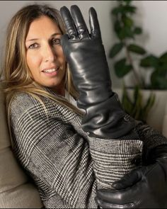 Elegant Gloves, Gloves Fashion, Be The Boss, Leather Gloves, Boss Lady, Candid, Female, Boots, Womens Fashion