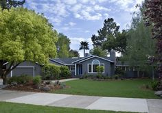 Traditional Exterior Photos Ranch Style Design, Pictures, Remodel, Decor and Ideas - page 15