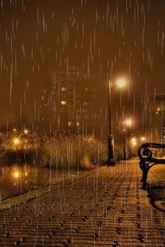 Kisses in the Rain Kissing In The Rain, Dancing In The Rain, Photography Hashtags, Photography Jobs, Urban Photography, White Photography, Rain Gif, Smell Of Rain, I Love Rain