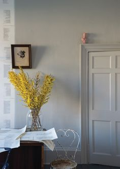 Farrow Ball 'Purbeck Stone' A stronger neutral which resembles the stone found in the Isle of Purbeck. Works perfectly with Ammonite™ and Cornforth White. Farrow Ball, Farrow And Ball Paint, Home Interior Design, Home Design, Interior And Exterior, Interior Decorating, Purbeck Stone, Room Colors, Paint Colors