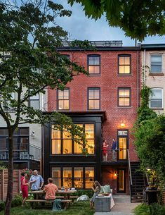 Interior Design Ideas: Row House Gets Historic Yet Fun Vibe Revival Architecture, Beautiful Architecture, Architecture Design, Townhouse Exterior, Modern Townhouse, Row House Design, La Haye, Facade House, Beautiful Homes