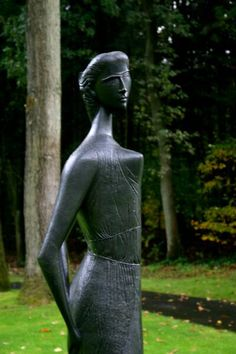 Kroller Muller Art Museum sculpture garden, photo by Minaz Jantz
