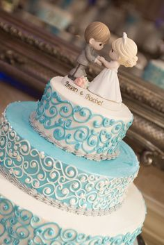 Tiffany blue wedding cake with Precious Moments cake topper / David Humphreys Photography