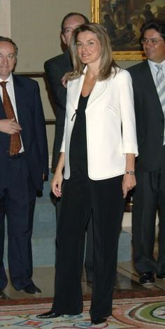 princess letizia while pregnant reina letizia pinterest. Black Bedroom Furniture Sets. Home Design Ideas