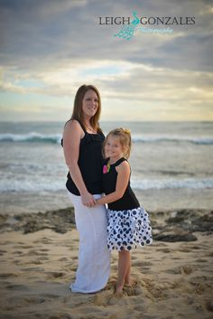 Leigh Gonzales Photography   Family Beach Photographer   Oahu Hawaii   Mother & Daughter Beach Photo