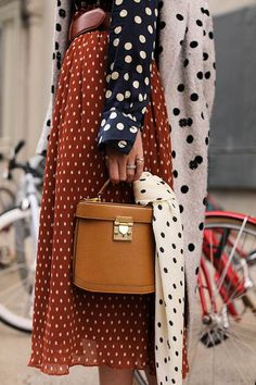 Fall Street Style Outfits to Inspire – FROM LUXE WITH LOVE Different polka dots patterns and colors mixed together, pattern mixing outfits, great mixed patterns outfit, polka dots outfit, Street Style Outfits, Looks Street Style, Autumn Street Style, Mode Outfits, Fashion Outfits, Brooklyn Street Style, Street Style 2018, Fashion Boots, Fashion Week